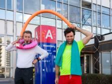 """PVDA protesteert in zwembroek tegen verhoging van Antwerpse sporttarieven: """"Alsof clubs het in deze tijden al niet moeilijk genoeg hebben"""""""