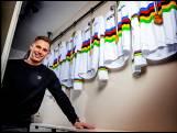 Olympische sensatie Lavreysen heeft alles laten bezinken: 'Je gaat wel denken: wil ik nog door met fietsen?'