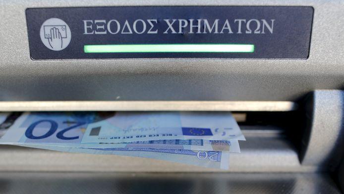 De Grieken mogen 420 euro per week opnemen.