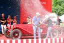 De winnaars: Andrea Vesco and Fabio Salvinelli met hun Alfa Romeo 6C 1750 Super Sport uit 1929