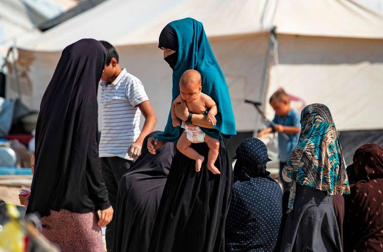 Het Syrische kamp Al Hol, waaruit de twee vrouwen die woensdag bij de Nederlandse ambassade in Ankara aanklopten zijn ontsnapt. Beeld AFP