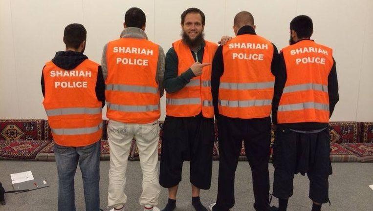 Beeld van de Facebookpagina van de Sharia Polizei Germany. Beeld Facebook.com/Shariah-Polizei-Germany
