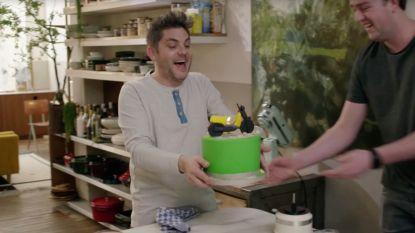 """Jarige Jeroen Meus wordt tijdens 'Dagelijkse Kost' verrast door eigen filmploeg: """"Jullie zijn schatten!"""""""