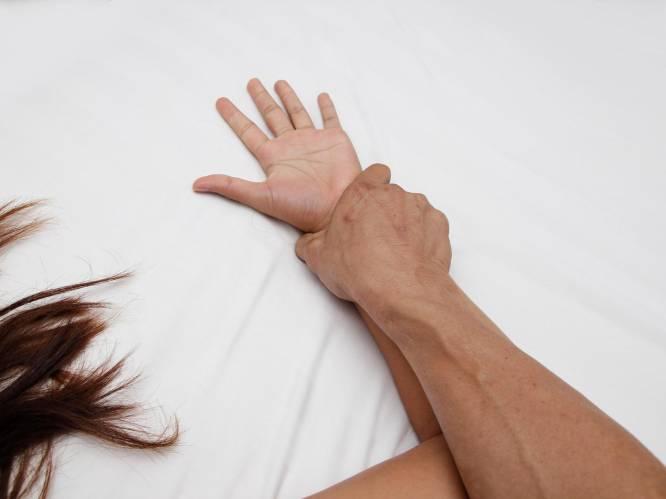 """Verkrachtte man (28) vriendin van zijn lief na 'flirterige avond'? """"Schuldbewuste berichtjes achteraf zijn bewijs"""""""