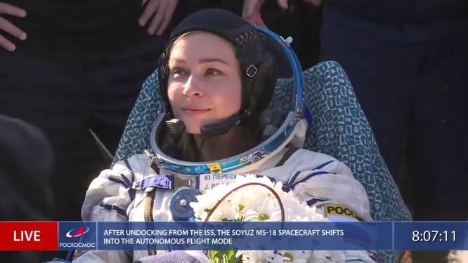 Eerste film(opnames) in de ruimte ingeblikt: Russische actrice veilig geland op aarde