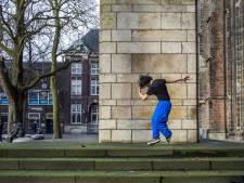 Alex (23) is blij dat hij nu in Utrecht woont: 'In de VS kon ik niet op straat dansen'