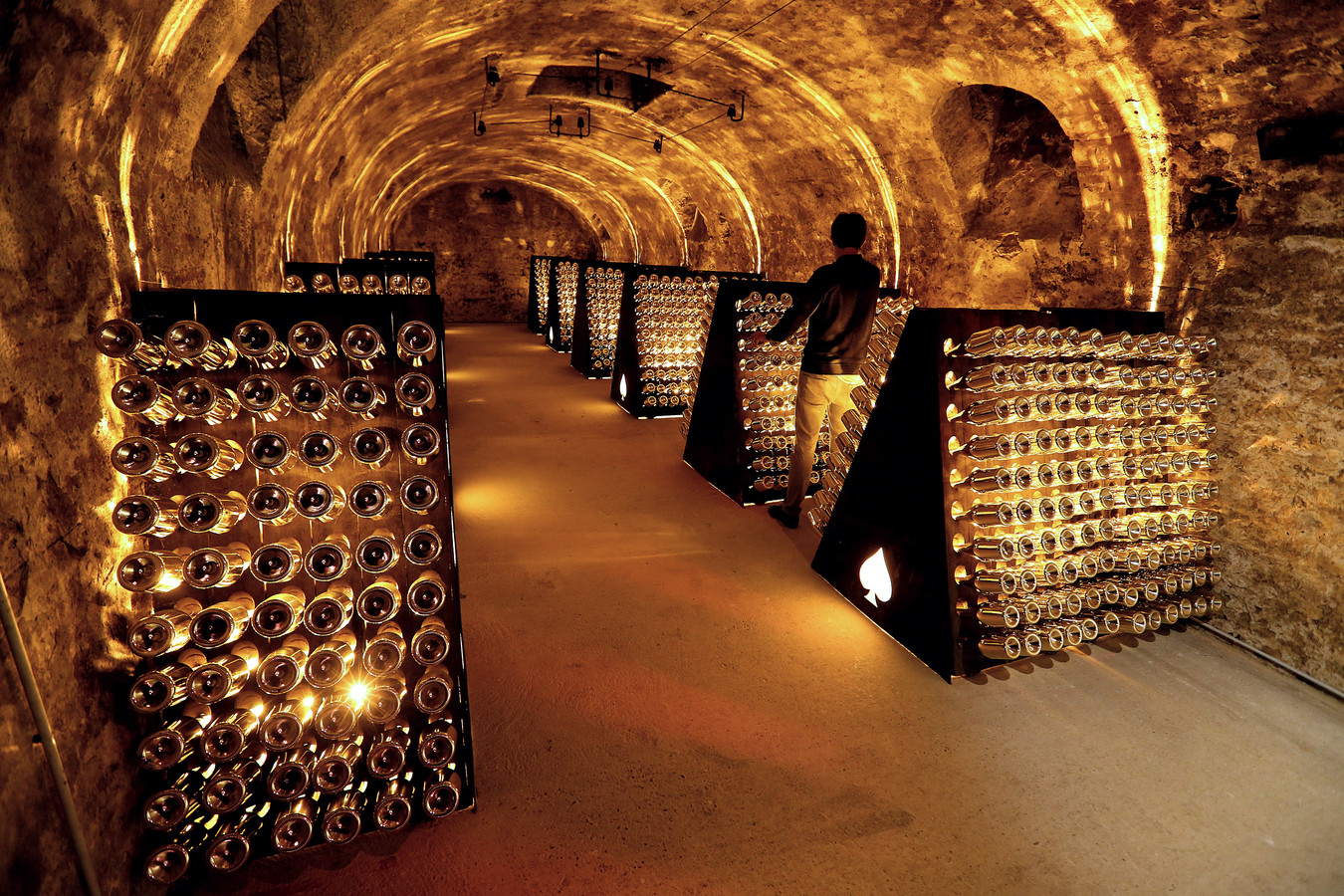 De wijnkelder van Jay-Z in Chigny-les-Roses.