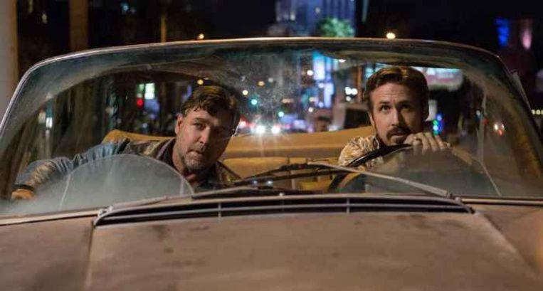 Russell Crowe (links) en Ryan Gosling in The Nice Guys van Shane Black Beeld