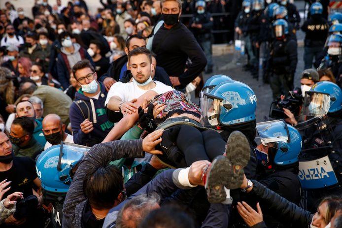 Manifestation des restaurateurs  à Rome ce 6 mars 2021.
