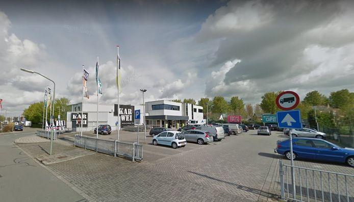De woningen komen op het grasveld achter bouwmarkt Karwei aan de Vissersdijk.