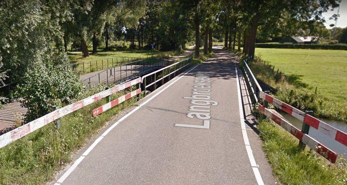 De brug op de Langbroekseweg in Cothen.
