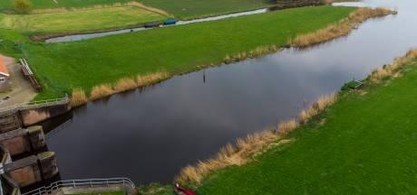 Aanlegplek voor bootjes en kano's: waterplezier rondom haventje in Noordeinde dichterbij