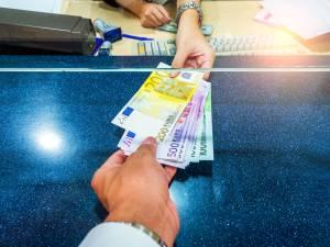 Êtes-vous encore satisfait(e) de votre banque? Participez à notre enquête!