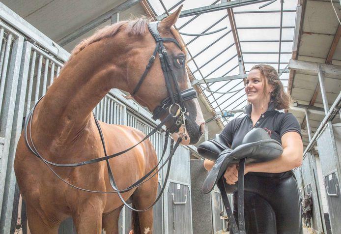 Thamar Zweistra en haar dressuur paard Double Dutch.