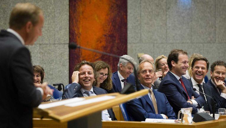 Het kabinet luistert vanuit Vak K naar Kees van der Staaij (SGP) tijdens de Algemene Politieke Beschouwingen in de Tweede Kamer. Beeld anp