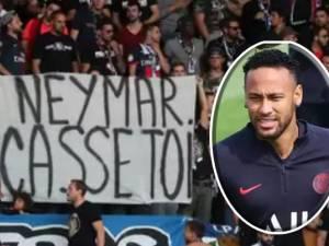 """""""Casse-toi"""": les fans du PSG humilient Neymar, son départ paraît inévitable"""