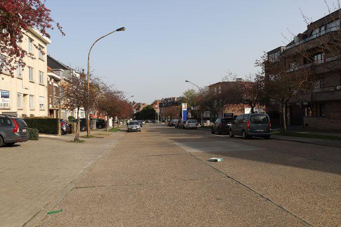 De Baron de Vironlaan is nu een verbindingsweg zonder degelijke en veilige fiets- of voetpaden.