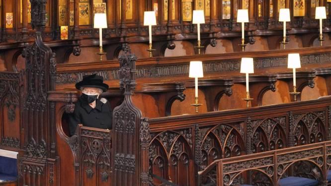 """Eenzame Queen krijgt zoveel medelijden dat ze protest in gang zet: """"Stop met die wrede begrafenisregels in het VK"""""""