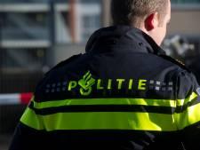 Autobestuurder klemgereden na achtervolging in Bijlmer