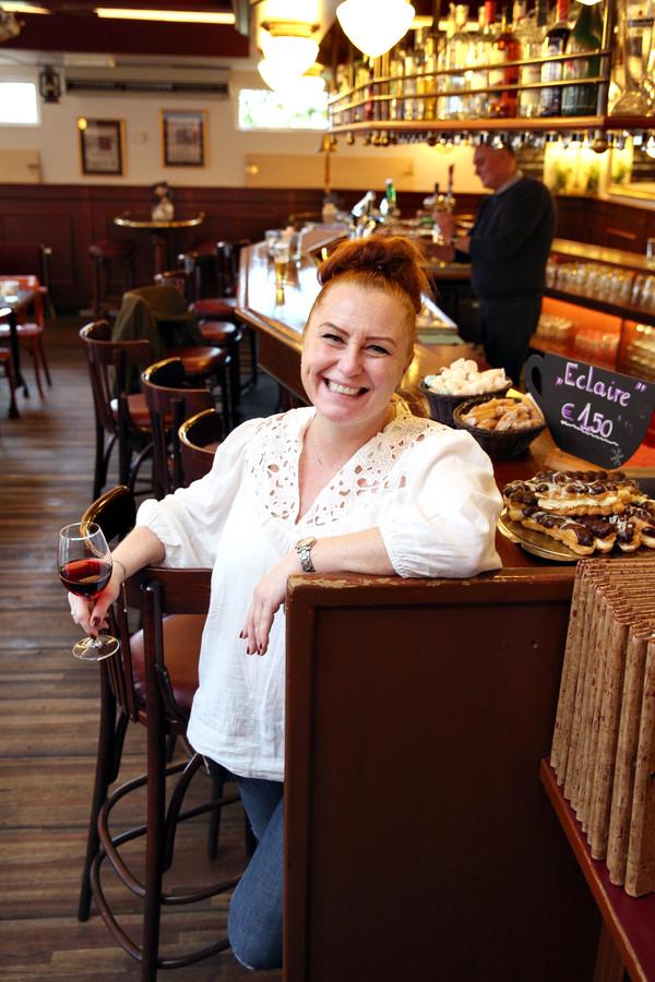 In het restaurant van Nela van Grevenbroek en haar man Patrick vind je die typisch Oostenrijkse sfeer. Nela bracht op die manier een stukje van thuis mee naar IJsselmonde.