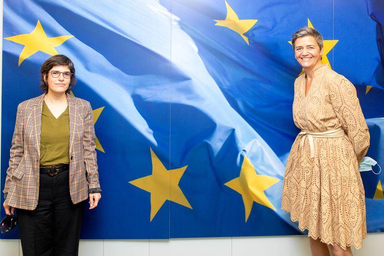 Minister van Energie Tinne Van der Straeten (Groen) en Eurocommissaris Margrethe Vestager. Beeld UE / Xavier Lejeune