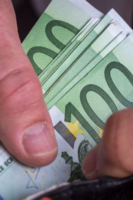 Altena discussieert: Waar mag het geld uit de speciale 'coronaspaarpot' voor worden gebruikt?