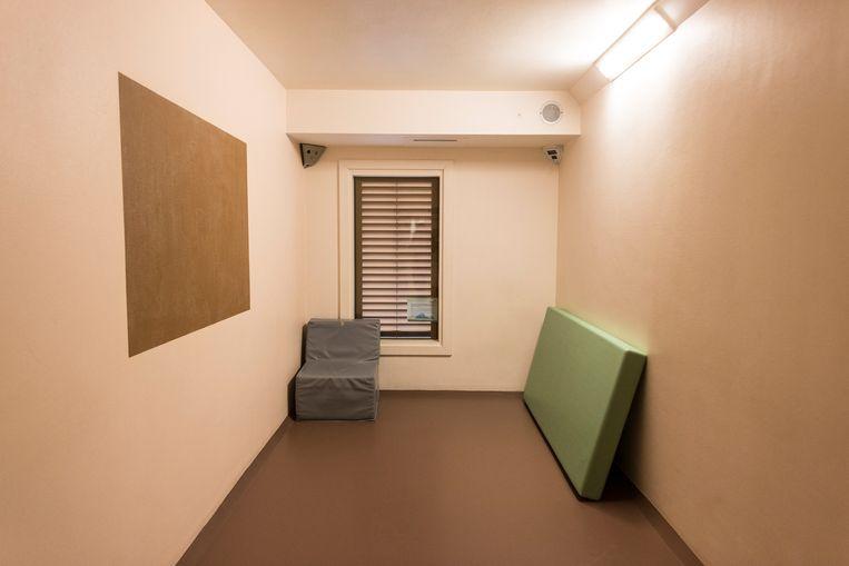 Ruimte van de crisisdienst van een afdeling spoedeisende psychiatrie.  Beeld Hollandse Hoogte / Rink Hof
