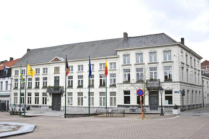 Het stadhuis van Wervik.