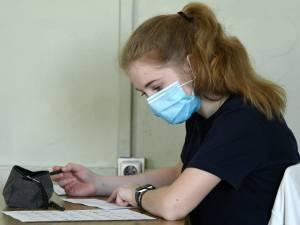 En Wallonie, les élèves du secondaire vont devoir remettre le masque en permanence