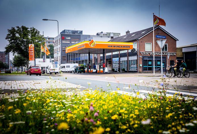 Het tankstation met garage van Wijngaarden in Papendrecht.