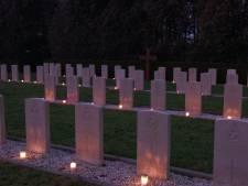50 lichtjes op oorlogsgraven in Winterswijk