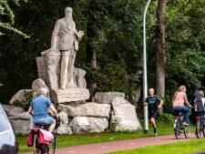 Deventer verwacht 10 tot 15 uitlegbordjes bij controversiële straatnamen en beelden te plaatsen