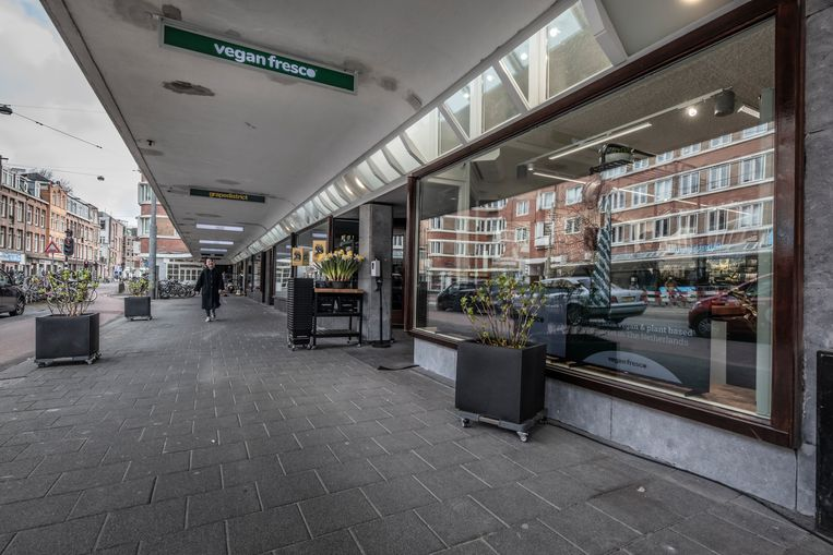 Passage op de Jan Evertsenstraat na de renovatie. Beeld Martin Dijkstra