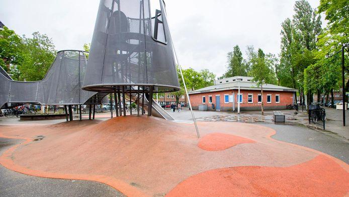 Het pand van de voormalige kinderopvang 24/7 Kids op het Columbusplein in Amsterdam-West.