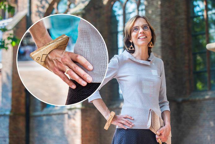 De armband van Carla Dik-Faber vertelt een verhaal.