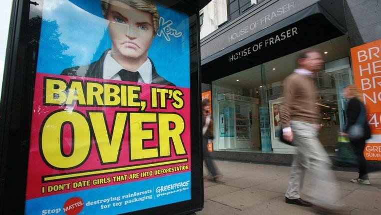 Fun gaat in op de oproep van Greenpeace en zet de verkoop van Barbie-poppen (voorlopig) stil. Beeld EPA