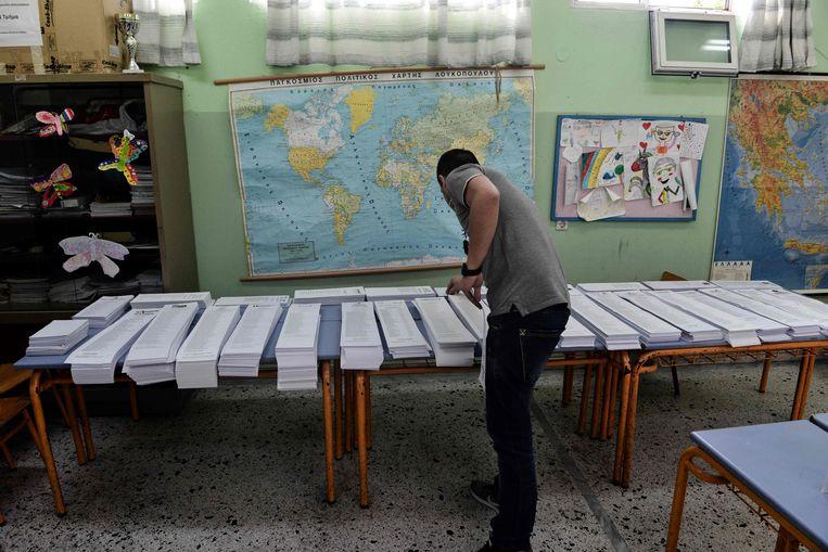 Een stembureau in de Noord-Griekse stad Thessaloniki. Beeld AFP
