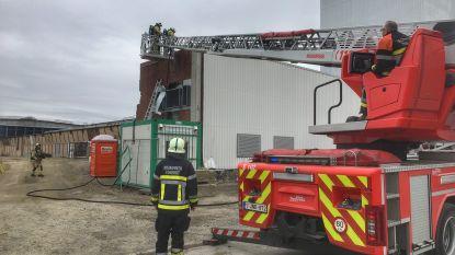 Isolatie vat vuur na dakwerken bij meubelfabriek Meubar