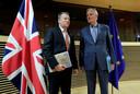 Onderhandelaars David Frost (l) en Michel Barnier (r).
