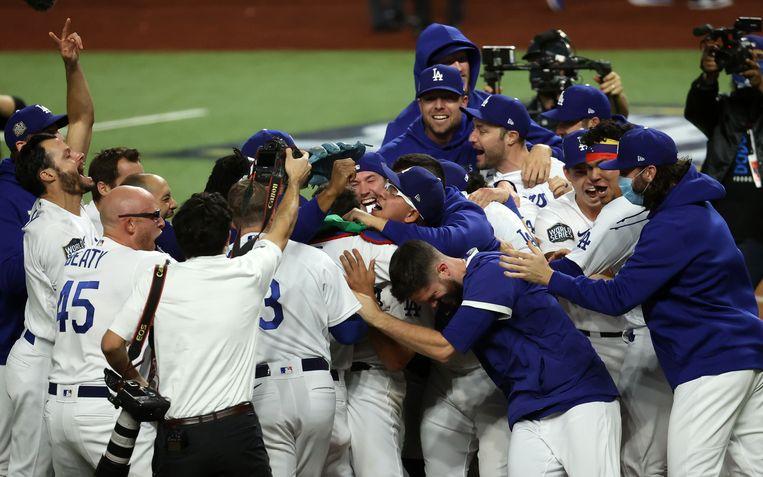 De Los Angeles Dodgers vieren het kampioenschap van de MLB na de overwinning op de Tampa Bay Rays. Beeld USA TODAY Sports