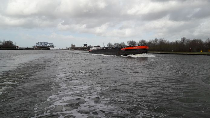 Brug bij Sluiskil op het kanaal Gent Terneuzen