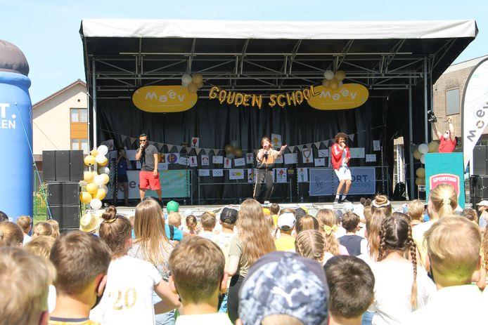 De Ketnetband kwam optreden in Prizma-basisschool De Talententuin