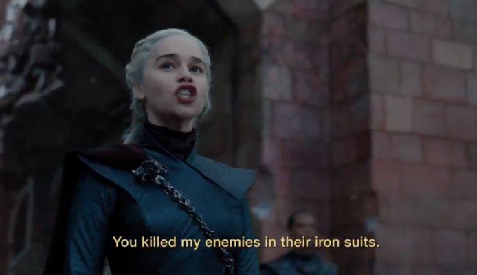 Dany spreekt haar troepen toe.