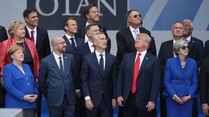 Deze foto vat NAVO-top subliem samen: niet alle neuzen in dezelfde richting