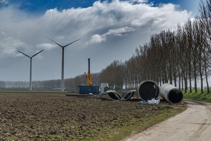 2019: de vijf oude windmolens aan de Groenedijk worden afgebroken. Zij zijn daarna vervangen door drie grotere en krachtigere molens. Waarschijnlijk komt er dit jaar of volgend jaar een vierde bij.