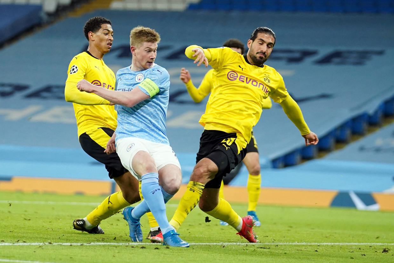 Kevin De Bruyne schiet de 1-0 binnen in het Etihad Stadium in Manchester. Beeld AP