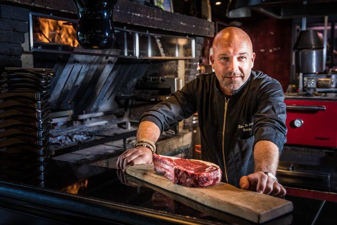 Peter De Clercq in zijn restaurant Elckerlijc.