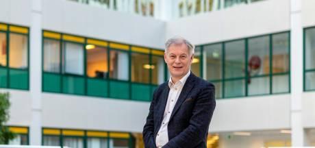 Felle kritiek hoogste baas Rijnstate: 'Vaccineren is een zooitje, echt indrukwekkend is het allemaal niet'