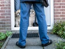 Haagse kritiek op 'blaftaks' houdt Hardenbergse hondencontroleur niet thuis