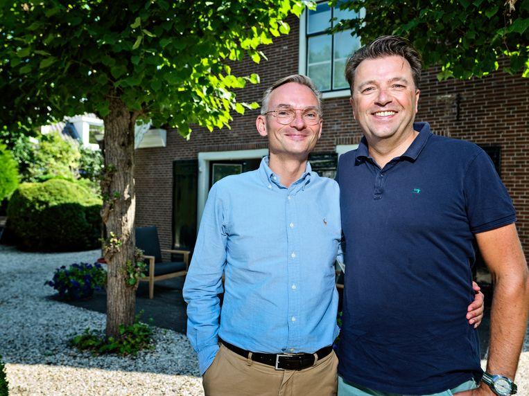 Burgemeester Nanning Mol (l) en zijn partner Erwin Lunshof. Beeld Martijn Steiner Lovisa